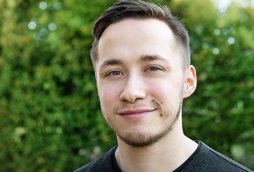 Dennis Tzscheetzsch ist SEM-Experte bei Blackbit